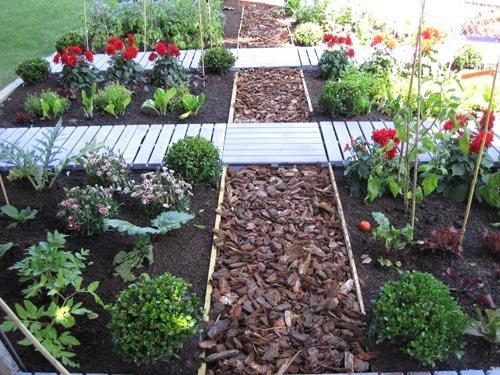 Caillebotis de jardin best en bois naturel with for Caillebotis plastique jardin