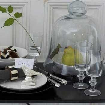 Les cloches de p ques au jardin - Cloche en plastique transparent jardin ...