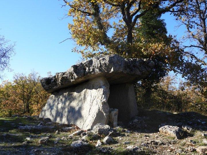 dolmen près du cirque de Navacelle
