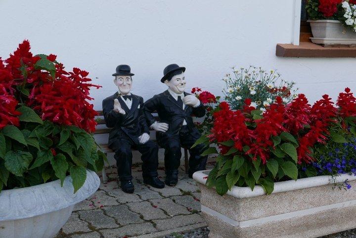 Les visiteurs sur le banc