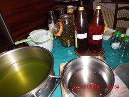 liqueur e de blanc bouillon et destragon