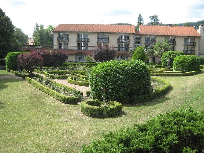 Jardin Du Château De Bosredon