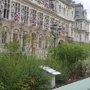 Un jardin éphémère sur le parvis de l'Hôtel de Ville de Paris (75)