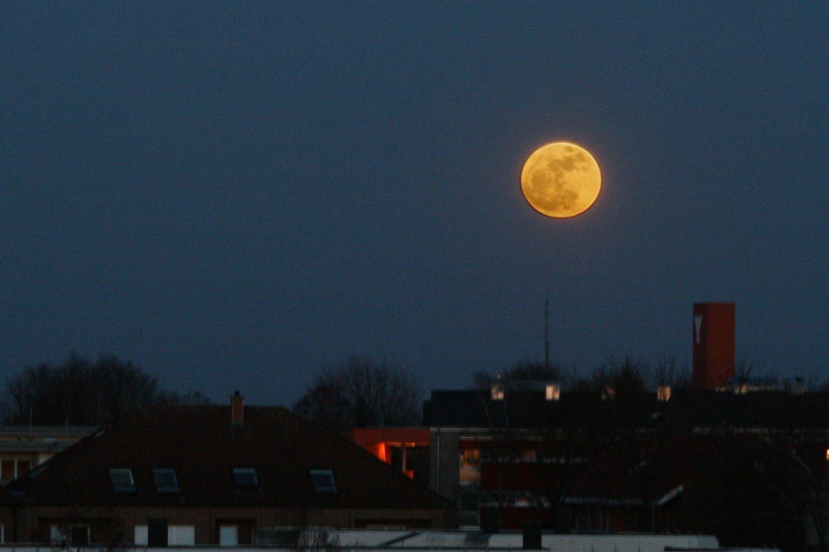 Super Lune à Munster, Allemagne (CC-BY-SA Kai Schreiber)