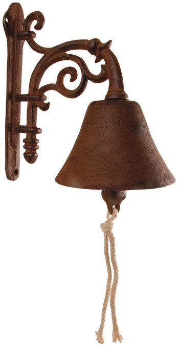 La cloche sonne au jardin